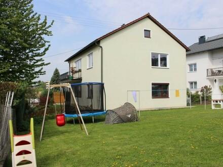 Zweifamilienhaus inkl. Grundstück