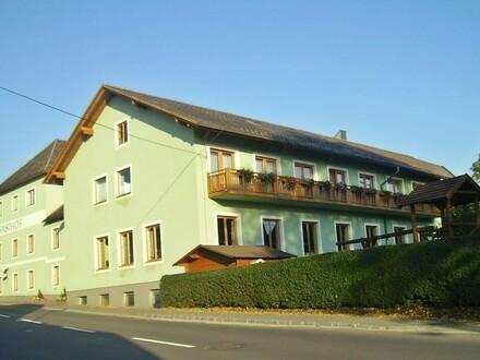 Gasthaus Maurerwirt mit Café, Saal, Fremdenzimmer und Wohnung