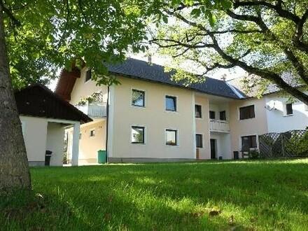 Neuer Preis: Großzügiges Zweifamilienhaus in ruhiger Lage