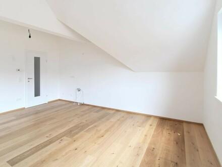 2 - Zi.- Dachgeschosswohnung im Zentrum Vöcklabrucks!