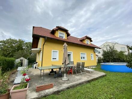 Einfamilienhaus samt Doppelgarage und Sonnenterrasse!