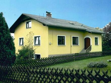 Kleines Wohnhaus mit viel Platz