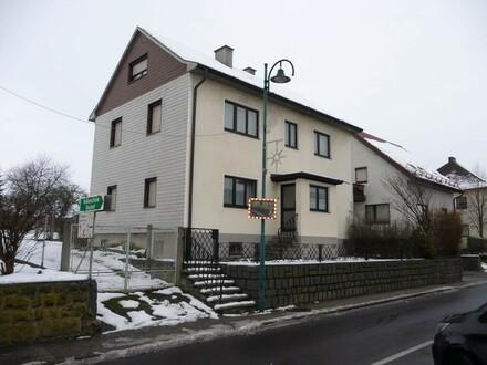 Zentral gelegenes Wohnhaus mit großzügigem Garten