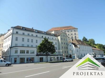 Revitalisierte ERTRAGSLIEGENSCHAFT (Wohnungen & Geschäftslokale) am Tor zur Linzer Altstadt