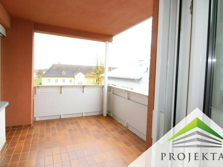 Schöne 5 Zimmerwohnung in Hörsching - teilsaniert mit Balkon und Terrasse!