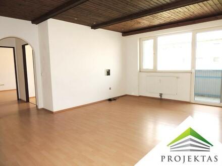 Perfekt aufgeteilte 3 Zimmer Wohnung mit Loggia - ab sofort!
