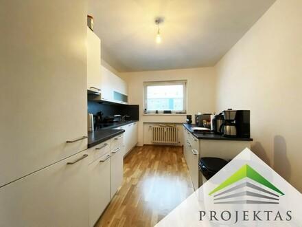 Großzügige 3 Zimmerwohnung mit neuer Küche und Balkon!