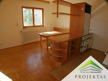 2 Zimmerwohnung mit Küche und Balkon im Zentrum von Traun