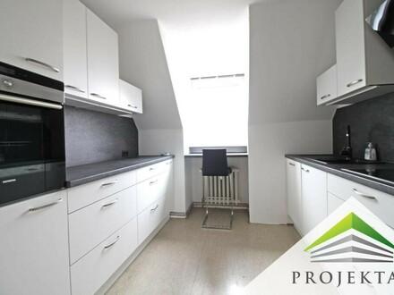 Schöne 3,5 Zimmer Dachgeschoßwohnung mit Küche am Bindermichl