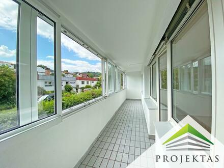 360° Rundgang online! Eigentumswohnung mit Potenzial - 2 Zimmer Wohnung mit großer Loggia!