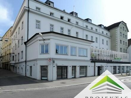 Edelrohbau: sanierte Geschäftsfläche am Eingang zur Linzer Altstadt