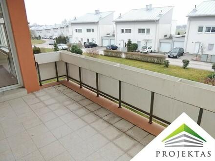 Perfekte 4 Zimmerwohnung mit großem Balkon!