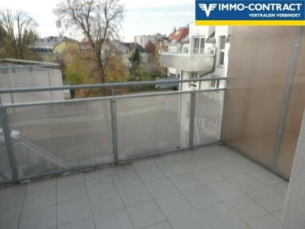 Balkon vom Schlaf- und Wohnzimmer aus erreichbar
