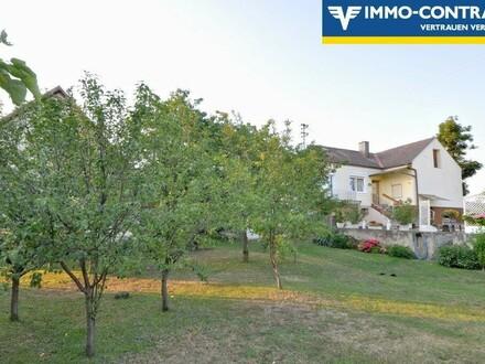 Landhaus mit großem Garten in sehr ruhiger Dorfrandlage am Fuße des Geschriebensteins