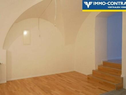3-Zimmer Wohnung am Hauptplatz mit Zimmer in den Hof & Loggia. Generalsaniertes Stadthaus, Top7.