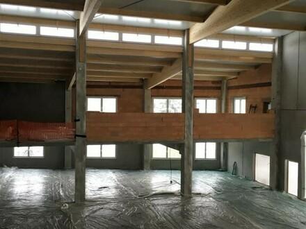 Lagerhalle mit möglichen Büro (Halle 2) Nähe A4 und Industriepark Eco Plus