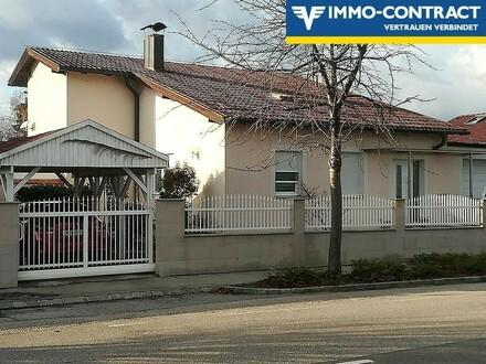Einfamilienhaus mit Pool und Wintergarten