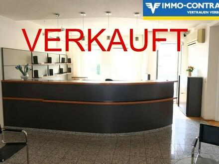 Großzügige & elegante Büroflächen. Zwei getrennte Eingänge. Zentrale Lage.