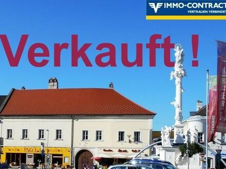 (Kaufanbot liegt vor!) Eines der besten Häuser im Brucker Zentrum. Denkmalschutz, teilweise saniert & viel Potenzial. Rendite…
