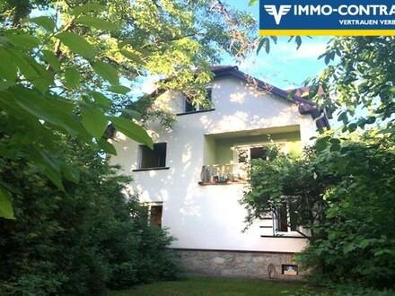 Stilvolle Villa mit traumhaftem Garten in Ruhelage, mitten in der Stadt