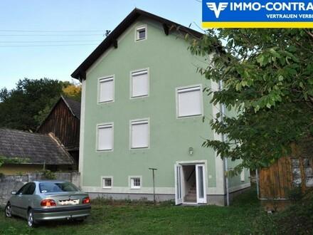 Zweistöckiges Familienhaus . eingebettet in die sanft schwingende hügelige Natur des Mittelburgenlandes