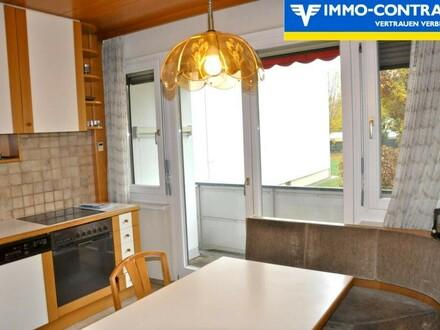 3 sonnige Gartenzimmer und Wohnküche mit großem Balkon Richtung grüne Wiese im Innenhof