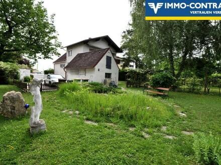 Ein- oder Zweifamilienhaus mit sehr großem Garten - Zentrale Lage