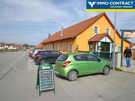 ausreichend Parkplätze vorm Haus