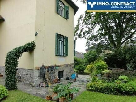 Wohnung in Stilvilla mit Gartenanteil