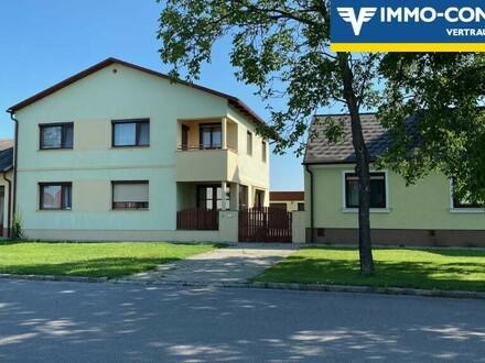 Großes Haus mit Nebengebäuden in TOLLER Lage in Parndorf. 1.OG 126m2 sofort bewohnbar, EG 130m2 sanierungsbed. od. separat…