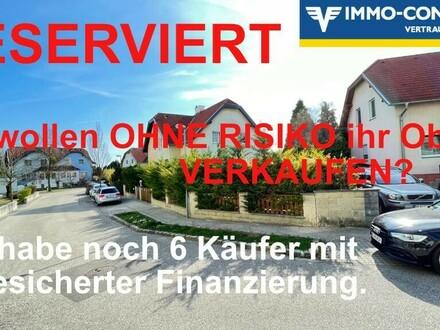Doppelhaushälfte in guter Lage. Gute Bausubstanz (Ziegelmassiv mit VWS). DG noch ausbaubar. In Wohnstrasse Schule & Zen…