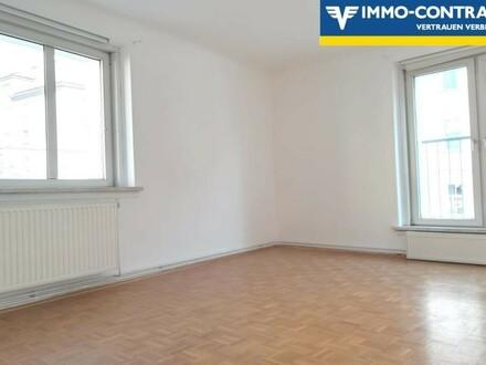 Super helle Wohnung in U-bahn Nähe, WG-geeignet