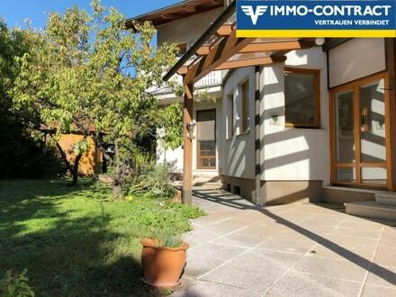 Viel Platz für die Familie im Architektenhaus mit supergroßem Garten