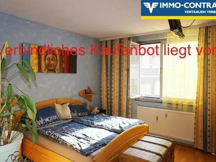 Schöne Wohnung mit top Lage im Haus. Ruhig & Hell. Hochwertige, neue Küche mit Siemensgeräten (inkl. Dampfgarer).