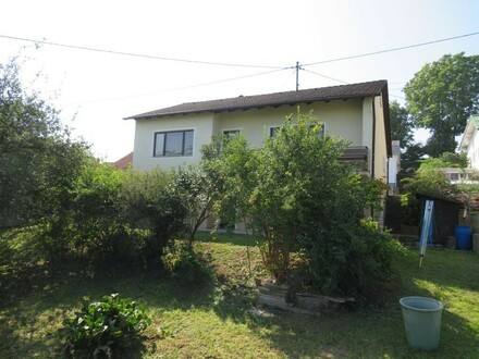Ein- oder Mehrfamilienhaus in beliebter Siedlungslage inkl. großzügigem Garten