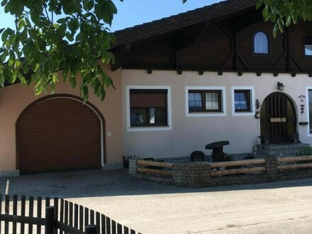 Zweifamilienhaus in ruhiger Siedlungslage