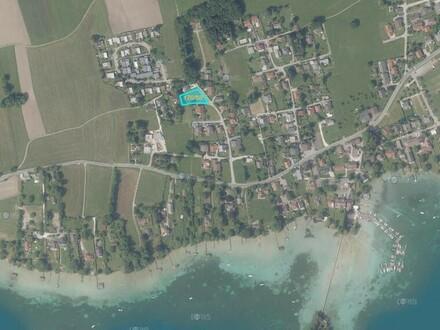 Ruhig gelegenes Grundstück am Attersee! - Nur wenige Meter bis zum See!
