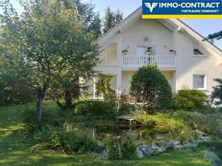 Stilvolles Einfamilienhaus mit idyllischem Garten und Teich