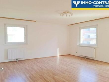 NEU RENOVIERTE 3 Zimmer-Wohnung in Grünlage