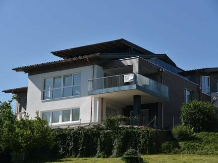 Einzigartige Dachgeschoss-Wohnung mit See- und Gebirgsblick