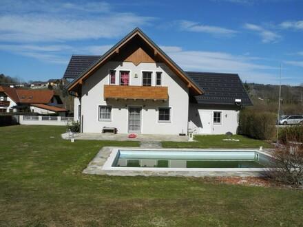 Ruhige, schöne Naturlage in kleiner Siedlung - Pool !