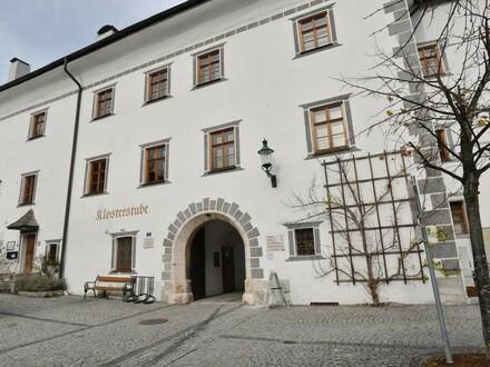 Historisches Lokal mit gemütlichem Gastgarten