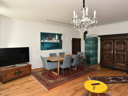 Hochwertig ausgestattete Altbau-Wohnung