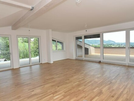 Einzigartige Dachgeschosswohnung im Grünen