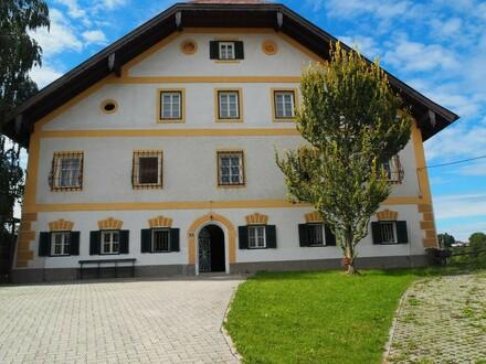 Salzburg Eugendorf: Wohnen und Arbeiten auf 522 m² Wohnfläche im Gutshof
