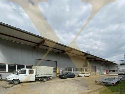 Beheizbare Lagerhalle mit ca. 7-9m Hallenhöhe, diversen Krananlagen, Freiflächen, Tankstelle uvm. in Asten zu vermieten!