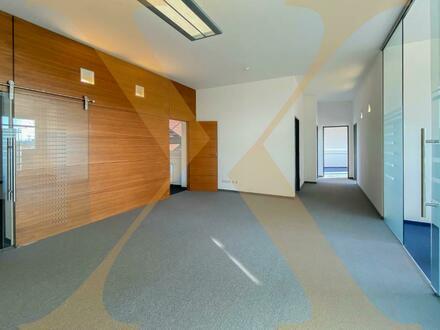 Perfekt gelegene Bürofläche direkt an der Donau mit Dachterrasse (Am Winterhafen) in Linz zu vermieten! Erweiterbar auf…