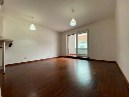 Sehr schöne 2-Zimmer-Wohnung mit Loggia