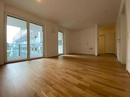 Sehr schöne 3-Zimmer-Wohnung mit Loggia & Terrasse