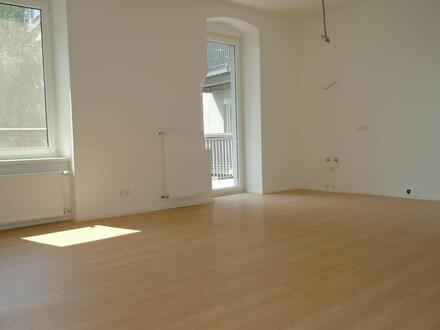 Tolle 4-Zimmer-Wohnung mit hofseitigem Balkon - verfügbar ab 01. Juni 2020!